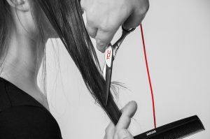 couper-cheveux-ciseaux